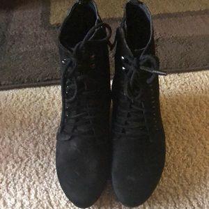 Bcbgeneration black booties